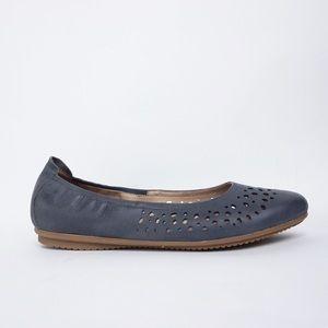 Josef Seibel Pippa 29 Blue Leather Flats EUC 42